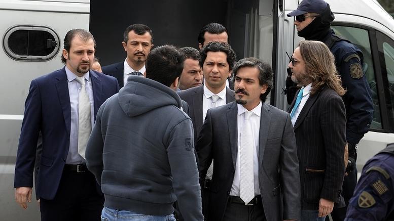 Τη βοήθεια της Interpol για την έκδοση των «8» ζητά η Τουρκία
