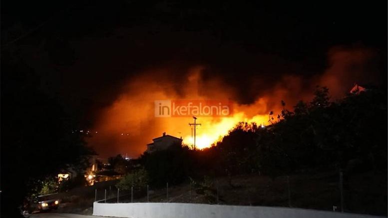 Κεφαλονιά: Ολονύχτια μάχη με τις φλόγες σε Ζόλα και Βλαχάτα