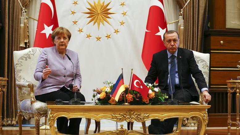 Στο Βερολίνο για τριήμερη επίσκεψη ο Ταγίπ Ερντογάν