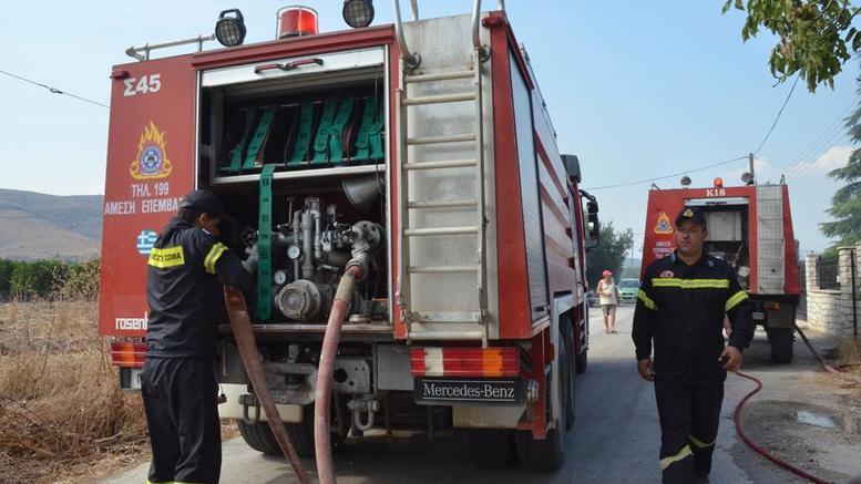 Φωτιά σε εργοστάσιο ανακύκλωσης χαρτιού στη Λάρισα