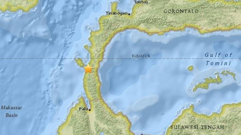 Τουλάχιστον 384 νεκροί από τσουνάμι του σεισμού στην Ινδονησία