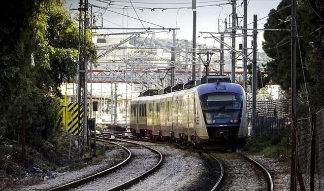 Αμαξοστοιχία έπεσε σε κοπάδι αγριογούρουνων στο Βελεστίνο