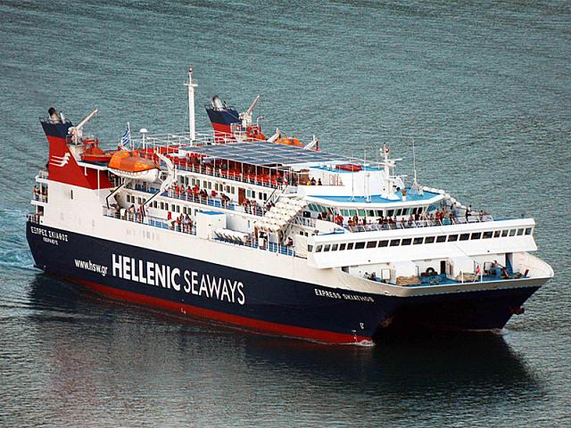 Ελυσαν και πάλι κάβους πλοία και υδροπτέρυγα για Σποράδες