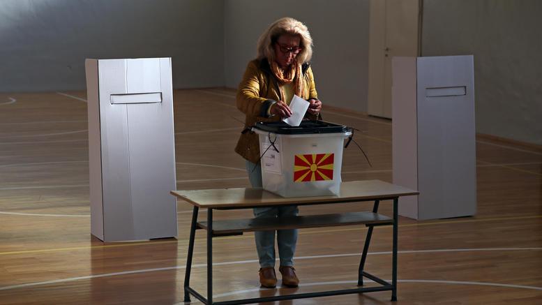 """Σε """"αχαρτογράφητα νερά"""" βαδίζει η πΓΔΜ μετά το δημοψήφισμα"""