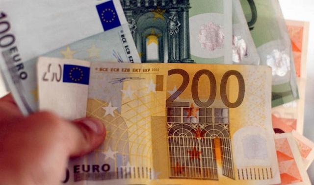 Ανατροπή για αγορές με μετρητά: Νέο σχέδιο για μείωση του ορίου