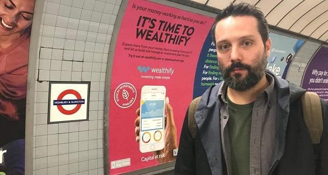 Βελεστινιώτης «εκπαιδεύει» ρομπότ στο Λονδίνο