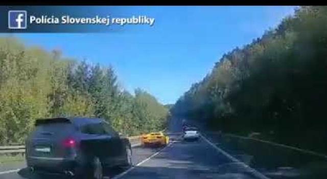 Φρικτό τροχαίο δυστύχημα όταν τρεις οδηγοί Φεράρι, Πόρσε και Μερσεντές έκαναν αγώνα ταχύτητας