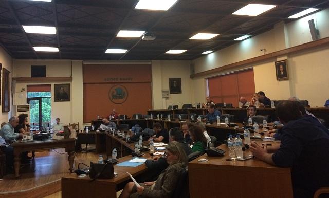 12 δημοτικοί σύμβουλοι θα απέχουν από τις συνεδριάσεις του Δ.Σ. Βόλου