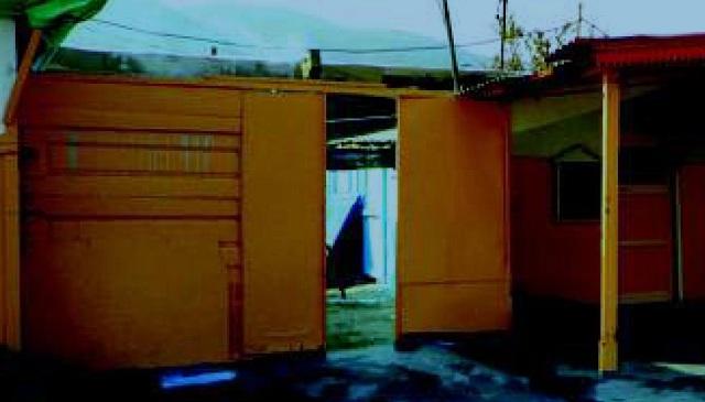 Ντουζιέρες και πλυντήρια για τους Ρομά στη Νεάπολη