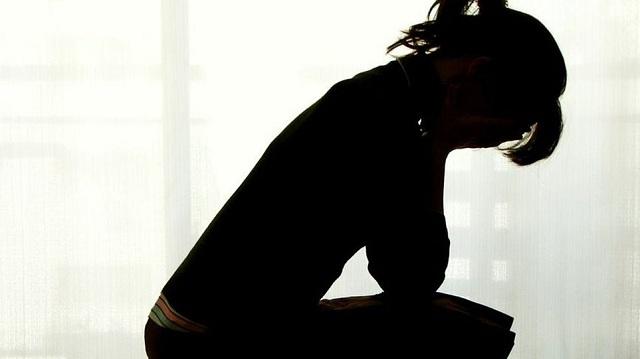 16χρονη αποπειράθηκε να αυτοκτονήσει γιατί την εκβίαζε ο φίλος της