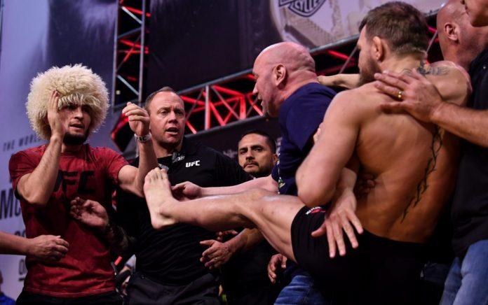 Απίστευτα επεισόδια στον αγώνα πυγμαχίας Νουρμαγκομέντοφ-ΜακΓκρέγκορ για τον τίτλο UFC (Vid)