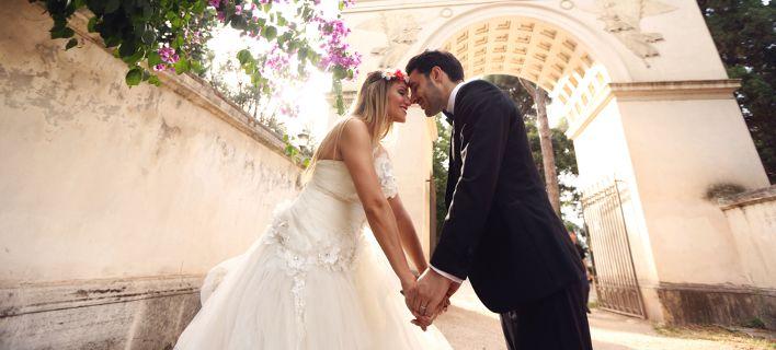 Eνώ γλεντούσαν στον γάμο τους, διαρρήκτες τους έκλεψαν όλα τα γαμήλια δώρα