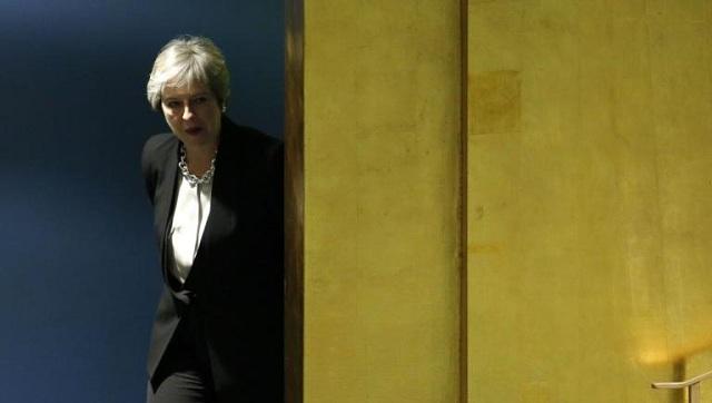 40 βουλευτές αντάρτες απειλούν να ρίξουν την Τερέζα Μέι για το Brexit