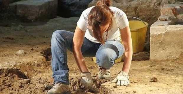 «Λουκέτο» σε αρχαιολογικούς χώρους για την πώληση μνημείων