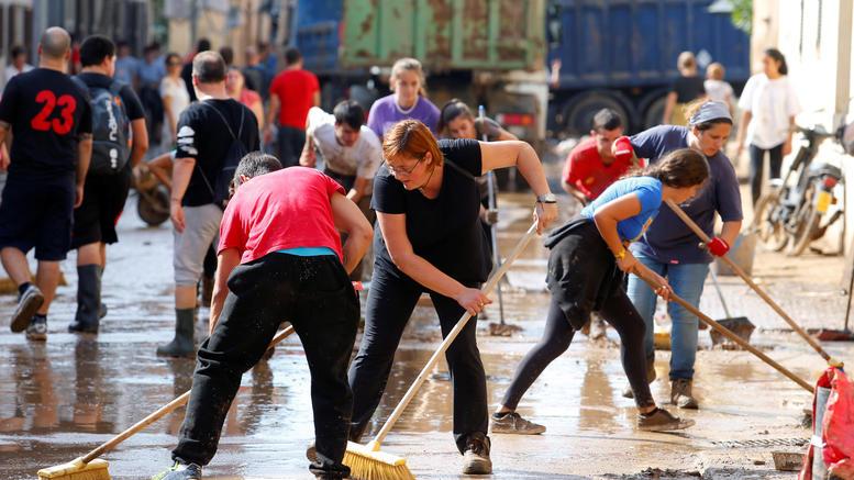 12 νεκροί από τις πλημμύρες στην Μαγιόρκα. Τουρίστες στα θύματα