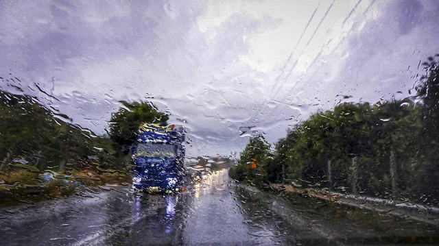 Αλλάζει το σκηνικό του καιρού. Έρχονται βροχές και καταιγίδες