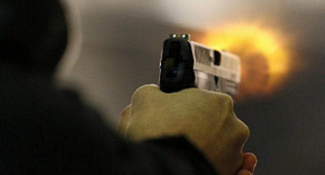 13χρονος μαθητής πυροβόλησε μέσα σε Γυμνάσιο!