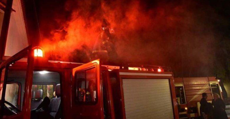 Στις φλόγες τυλίχθηκαν ενοικιαζόμενα δωμάτια στον Τύρναβο