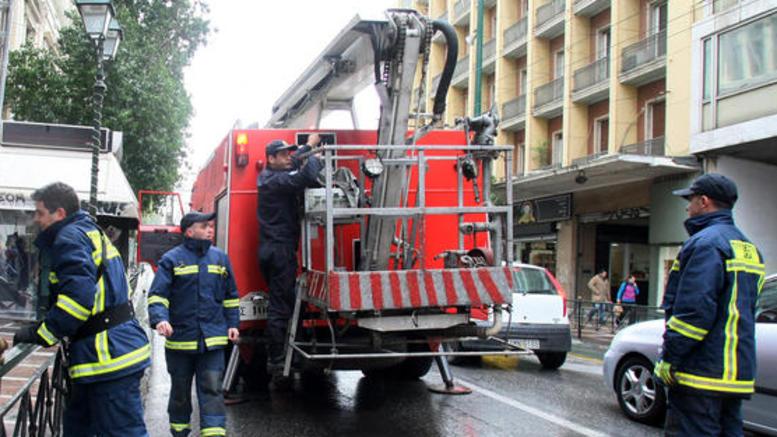 Υπό μερικό έλεγο φωτιά στο Ολυμπιακό Μουσείο Θεσσαλονίκης