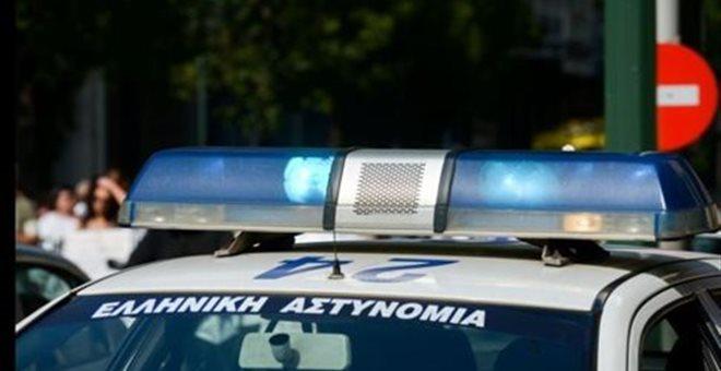 Άγρια συμπλοκή μεταξύ αστυνομικών και νεαρών