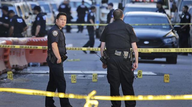Μυστήριο η εξαφάνιση 13χρονης μετά τη δολοφονία των γονιών της μέσα στο σπίτι τους