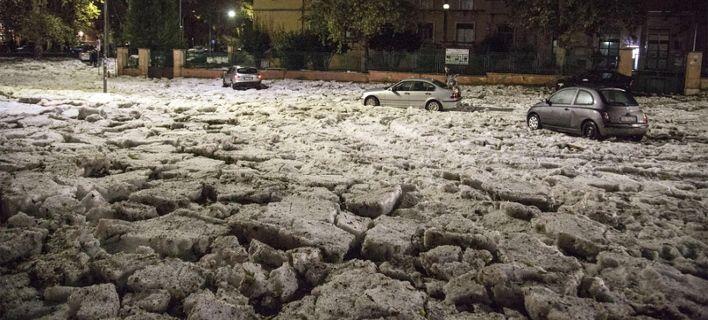 Χαλαζόπτωση άνευ προηγουμένου στη Ρώμη, έπεσαν... βουνά χαλάζι [εικόνες]