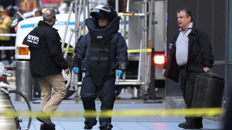 Μπαράζ τρομοδεμάτων σε επικριτές του Τραμπ
