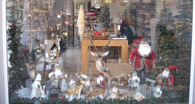 Εμποροι του Βόλου έφεραν νωρίτερα τα Χριστούγεννα...