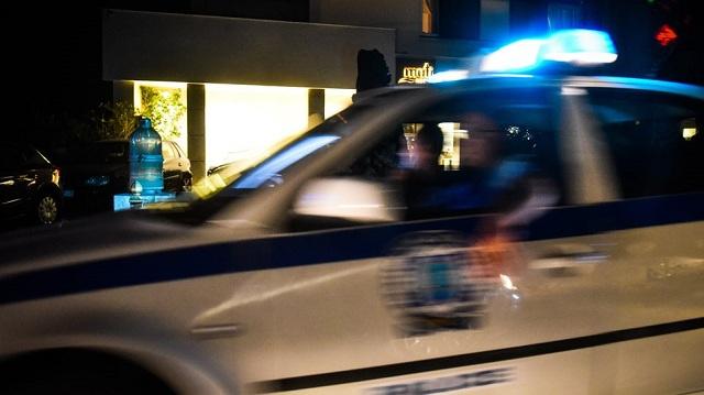 Ρομά πέταξαν μάρμαρα σε περιπολικό στου Ρέντη και άνοιξαν το κεφάλι αστυνομικού [εικόνες]