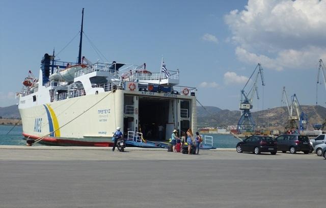 Βλάβη στον «Πρωτέα» κατά την πρόσδεση στο λιμάνι του Βόλου