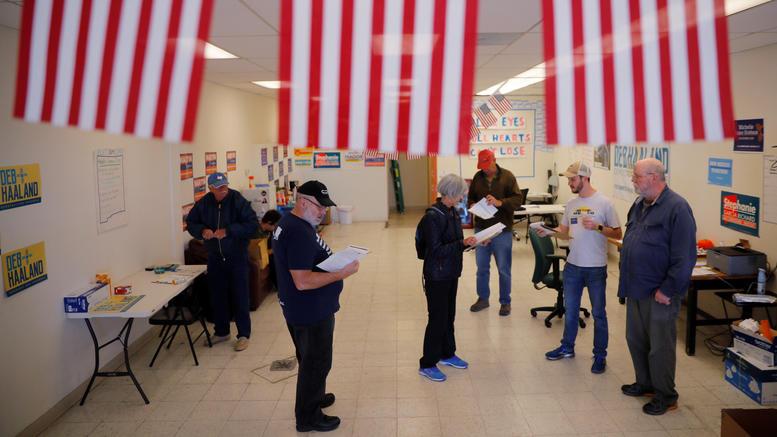 Στις κάλπες την Τρίτη οι ΗΠΑ για τις ενδιαμένες εκλογές