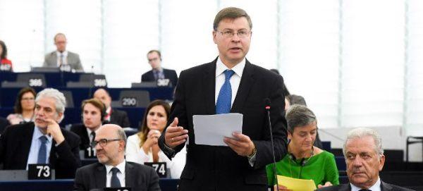 Ο Ντομπρόβσκις προειδοποιεί με κυρώσεις την Ιταλία: Πρέπει να κάνει σημαντικές αλλαγές στον προϋπολογισμό