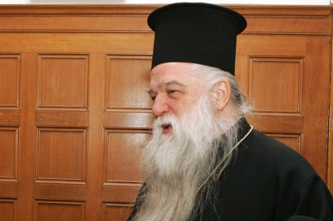 Σφοδρή επίθεση Αμβρόσιου κατά Τσίπρα: Δεν κρύβετε το μίσος σας για τον ιερό κλήρο