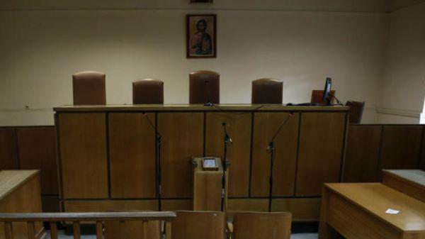Η Ελένη Ράικου κατέθεσε αγωγή κακοδικίας κατά της Ελένης Τουλουπάκη