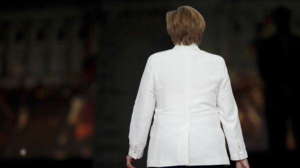 «Μέρκελ παραιτήσου», λέει η πλειοψηφία των Γερμανών
