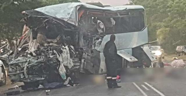 Ζιμπάμπουε: Τρομακτική σύγκρουση λεωφορείων με 47 νεκρούς
