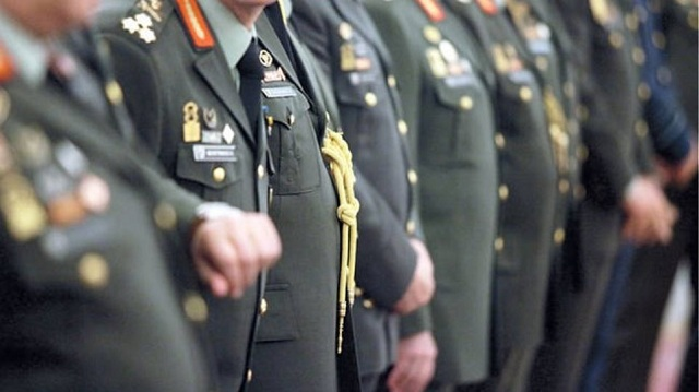 Πρόεδρος Αποστράτων Στρατού: Μεγάλη κοροϊδία η τροπολογία για τα αναδρομικά