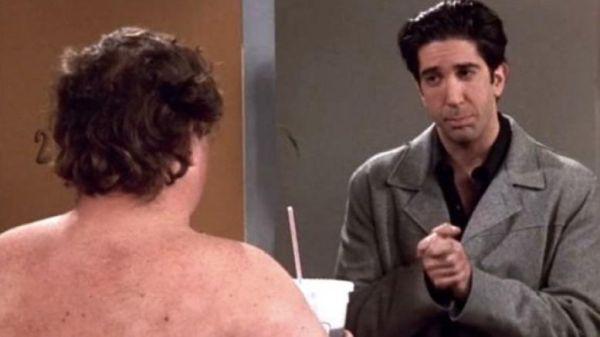 Αυτός είναι ο «Ugly Naked Guy» από τα Φιλαράκια