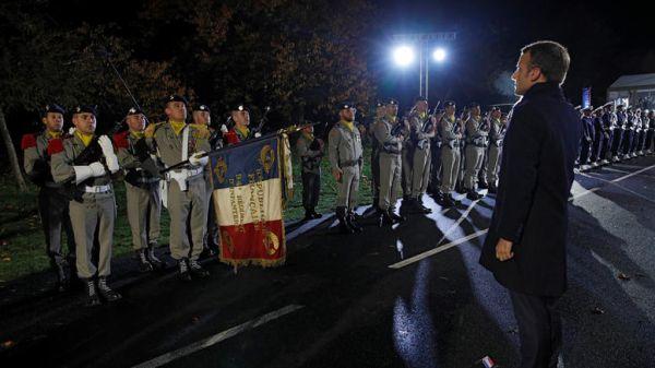 Σάλος στη Γαλλία για το φόρο τιμής Μακρόν στον δωσίλογο στρατηγό Πεταίν