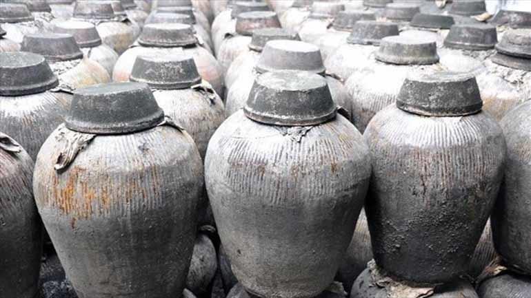 Υγρό με οσμή κρασιού ανακαλύφθηκε σε δοχείο 2.000 ετών στην Κίνα