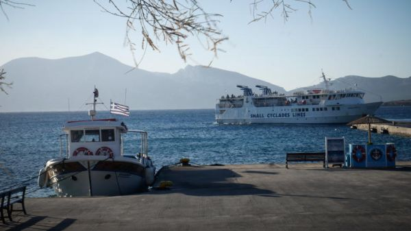 Συνεχίζεται η απεργία στο λιμάνι του Βόλου