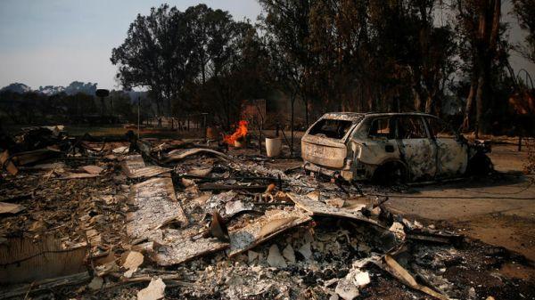 Φονικές πυρκαγιές στην Καλιφόρνια με 25 νεκρούς