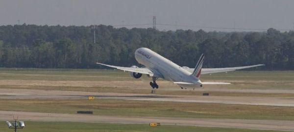 Τρόμος στον αέρα: Αεροσκάφος της Air France έκανε αναγκαστική προσγείωση στη Ρωσία