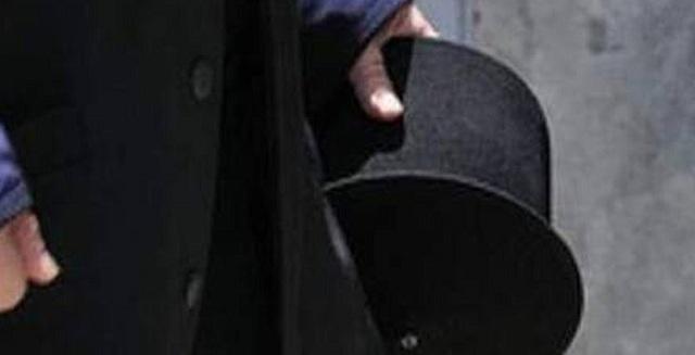 Μεθυσμένος ιερέας χτύπησε και δάγκωσε αστυνομικούς