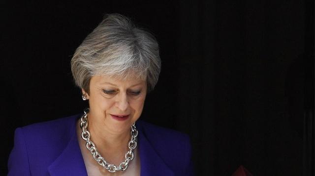 Παράταση αγωνίας για το Brexit: Μαραθώνιο υπουργικό συμβούλιο, αύριο στη Βουλή η Μέι