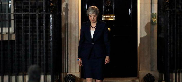 Ανταρσία κατά της Μέι για τη συμφωνία με το Brexit, παραιτήθηκε υπουργός