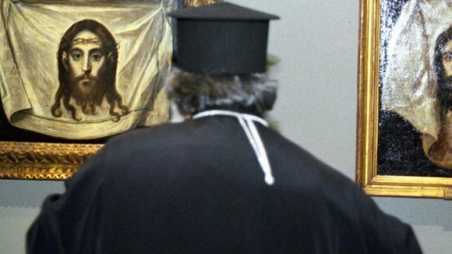 Η συγγνώμη του ιερέα που προκάλεσε τροχαίο και δάγκωσε αστυνομικό