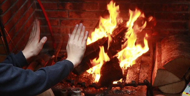 Πετρέλαιο -φωτιά φέρνει την αιθαλομίχλη στον Βόλο
