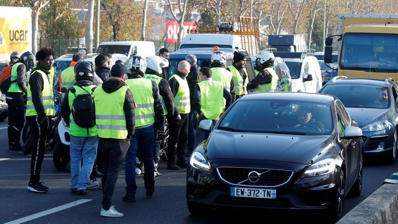 Γαλλία: Νεκρή διαδηλώτρια σε συγκέντρωση για την αύξηση στα καύσιμα