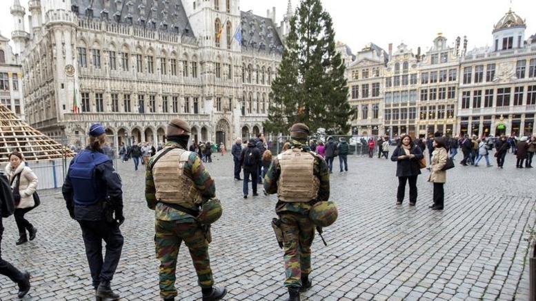Επίθεση με μαχαίρι σε αστυνομικό στις Βρυξέλλες. Φώναζε «Αλλαχού Ακμπάρ»